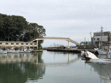 73 海の歩道橋