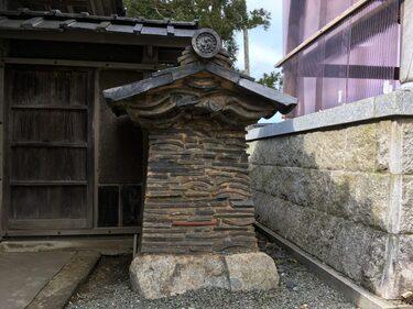 99 仏国寺山門脇の土塀